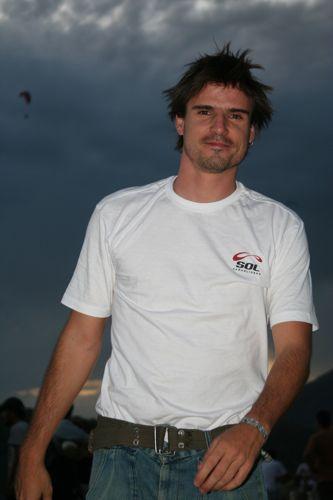 Paraglider-Horacio-Llorens-Ed-Ewing